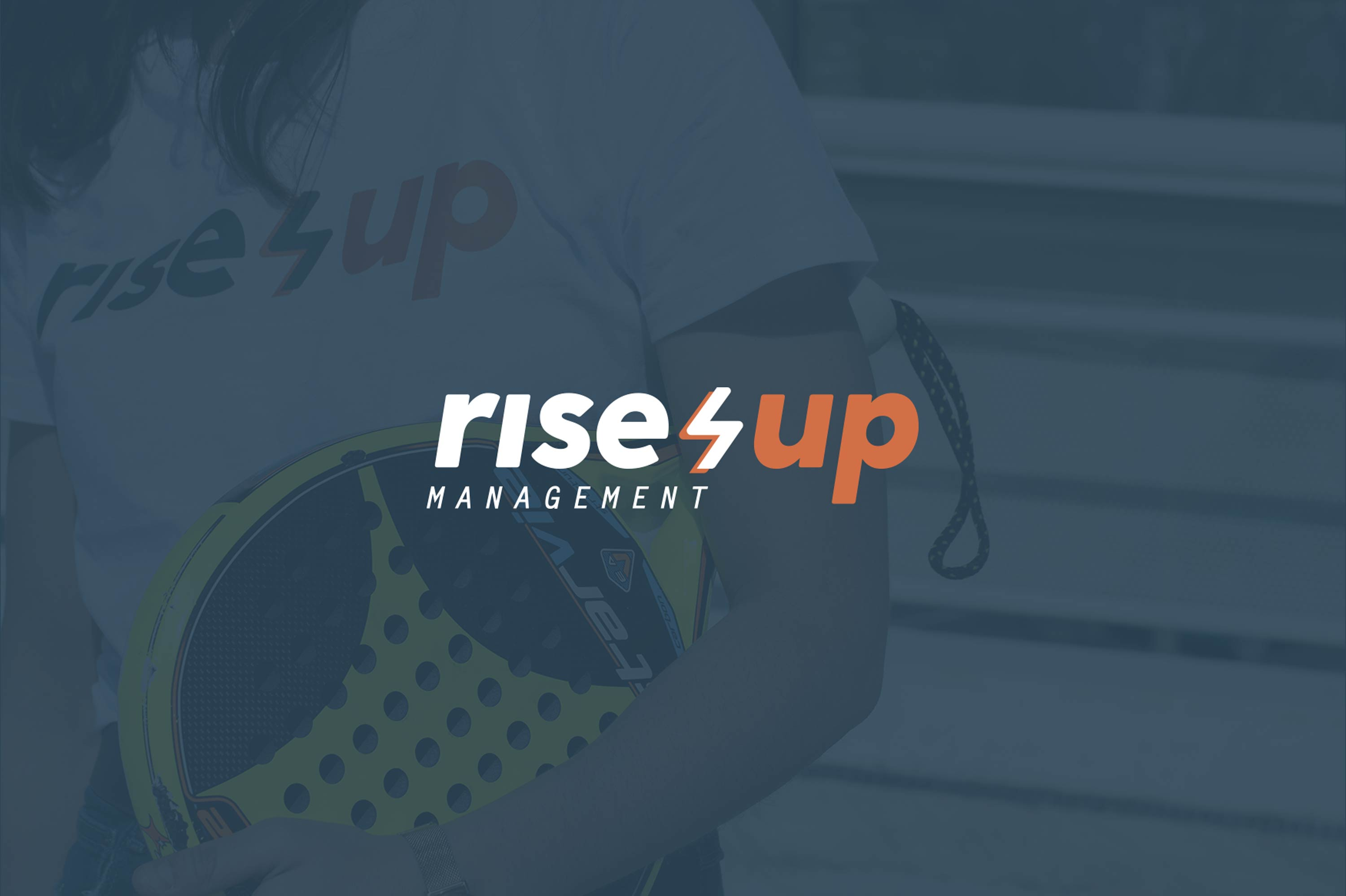 Identidad corporativa Rise Up Management