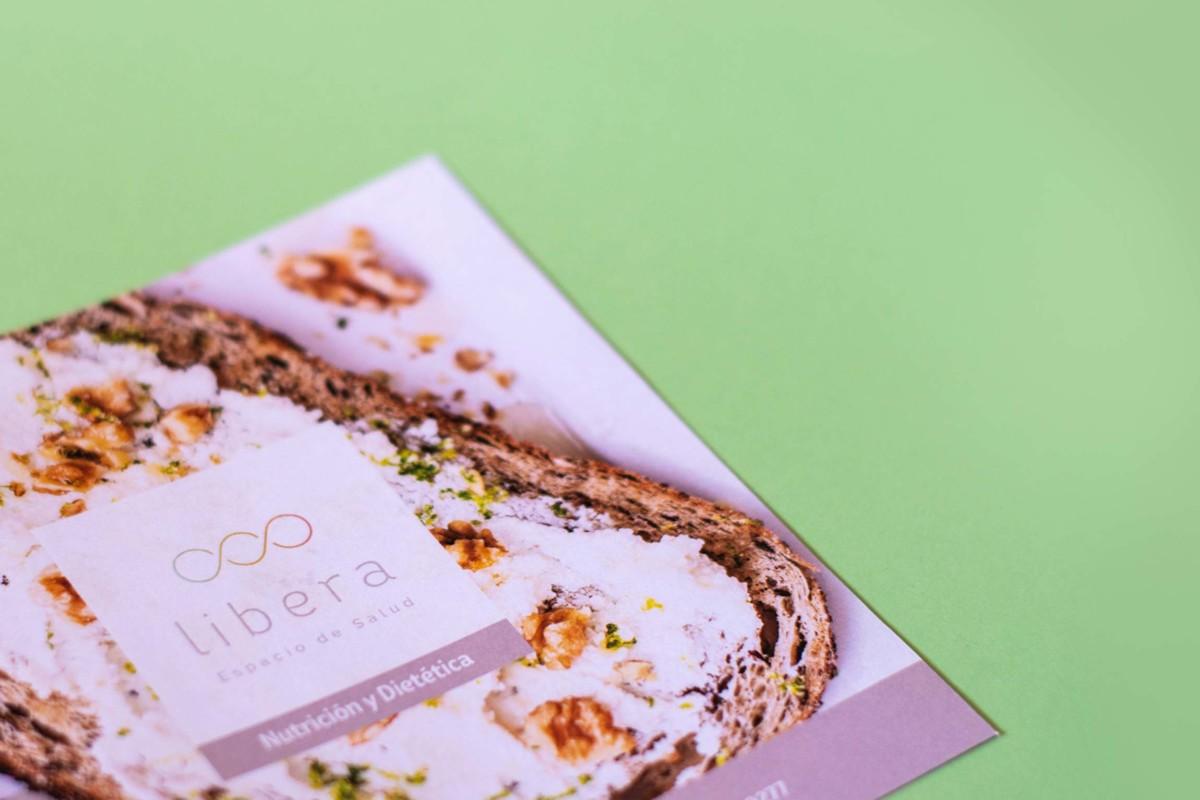 Diseño y maquetación de díptico informativo para Nutrición de Libera